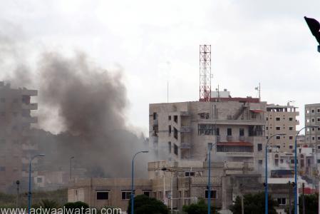 دخان يتصاعد من موقع تفجيرات في مدينة اللاذقية بسوريا يوم 23 مايو ايار 2016. صورة لرويترز من الوكالة العربية السورية للأنباء. لم تتمكن رويترز من التحقق بشكل مستقل من صحة الصورة. تستخدم الصورة في الأغراض التحريرية فقط.