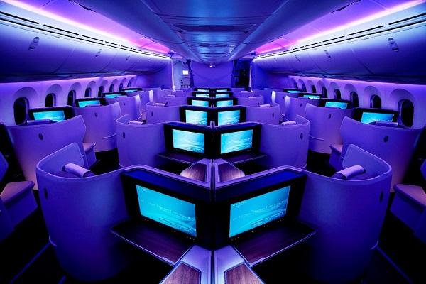 """""""السعودية"""" تضاعف محتوى الترفيه الجوي وتطلق مكتبة إلكترونية على متن طائراتها"""