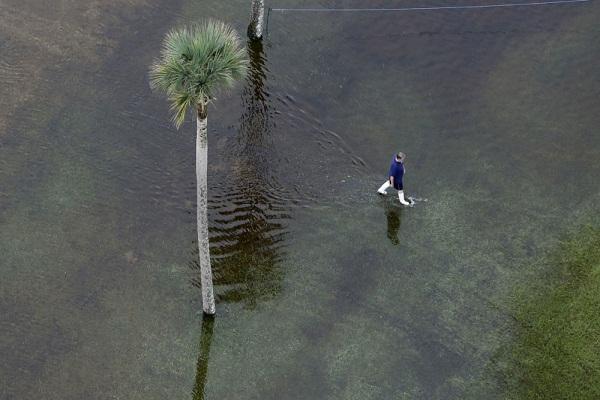 """مصرع """"9"""" أشخاص جراء السيول في ولاية أريزونا الأمريكية"""