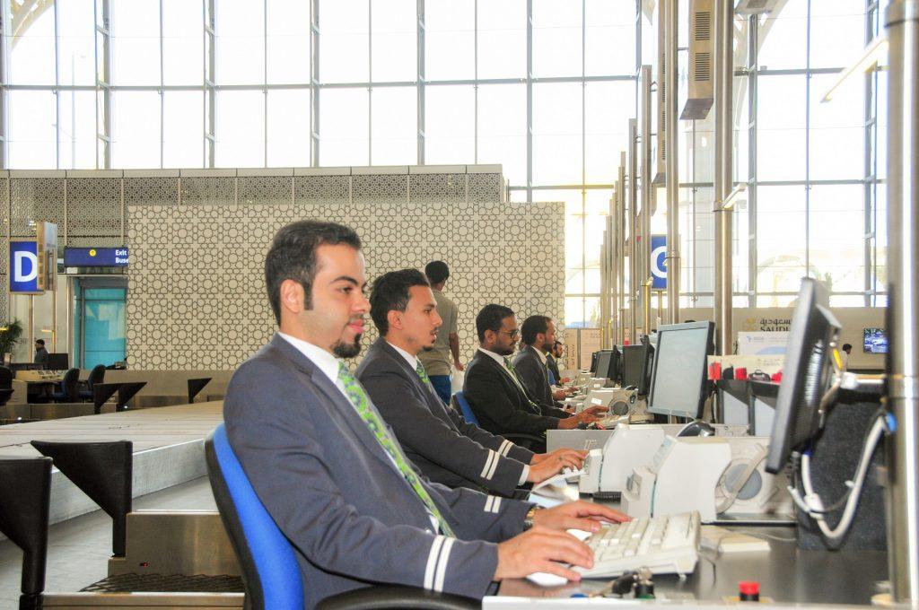 الشركة السعودية للخدمات الأرضية تودع 441,266 حاجاً من مطاري جدة والمدينة