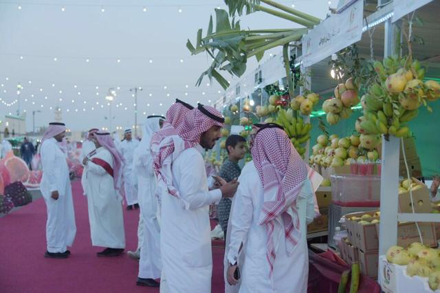 """""""مهرجان الرمان بالباحة"""" نافذة تسويقية واسعة للمزارعين"""