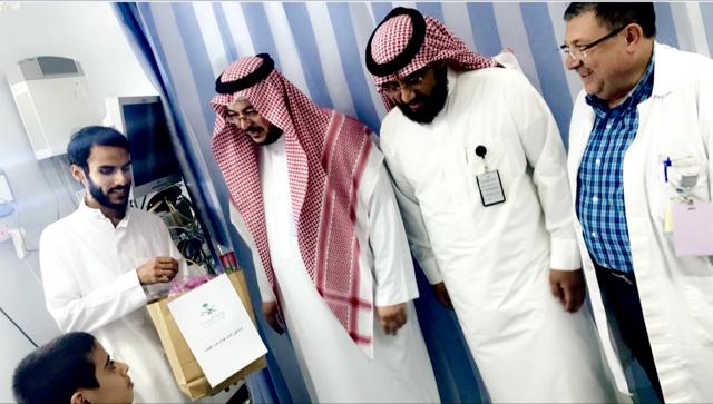 مستشفى الفيصل بالرياض يشارك المرضى فرحه العيد