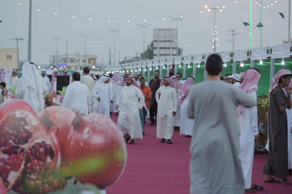 """""""الزهراني"""" : منطقة الباحة تتميز بالمنتجات ومهرجان الرمان يتطور عاماً بعد عام"""