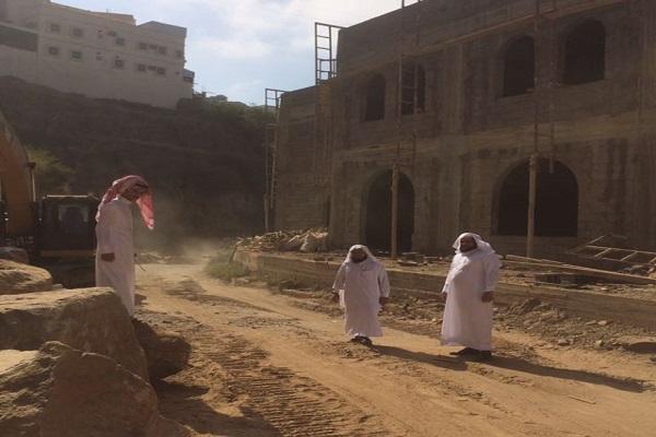 توسعة مواقف جامع خادم الحرمين الشريفين الملك عبدالله بن عبدالعزيز بفيفا