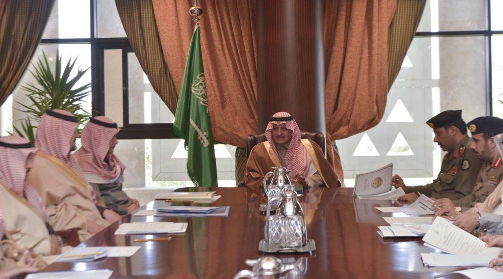 """""""أمير تبوك"""" يرأس إجتماع اللجنة العليا لتنسيق ومتابعة المشروعات بالمنطقة"""