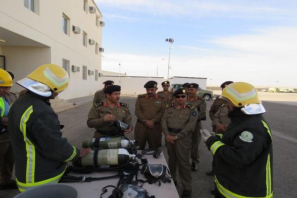 """""""مدير مدني القصيم"""" يتفقد مراكز تدريب الدفاع المدني بالمنطقة"""