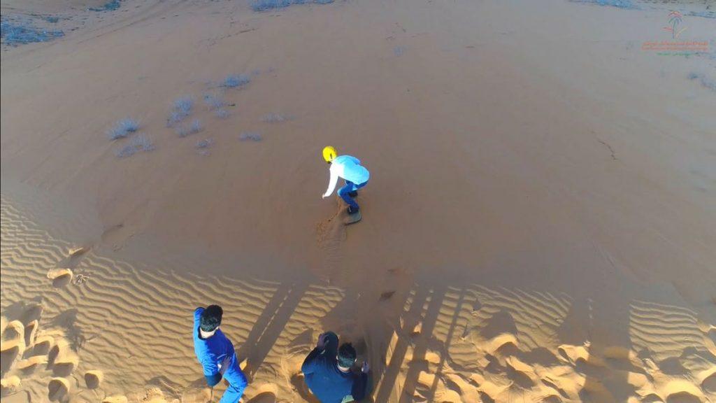 فعالية التزلج على الرمال تشهد إقبالاً كبيراً برالي حائل