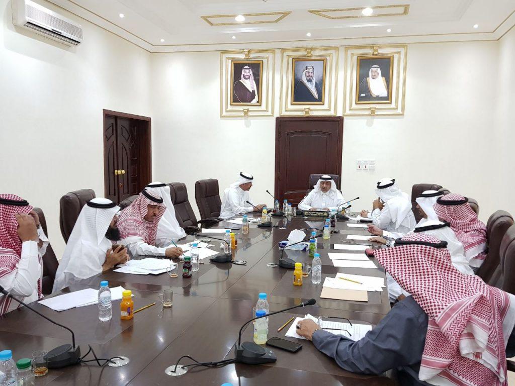 """""""محافظ خليص"""" يستعرض أمام المجلس الاستشاري  إنجازات المحافظة خلال 6 شهور"""