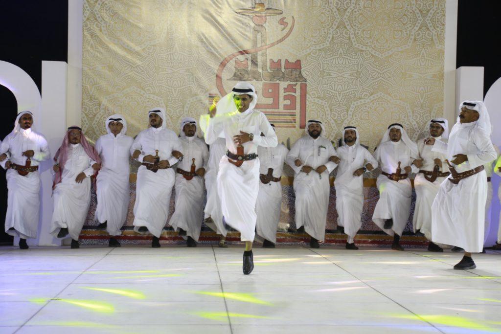 """ضمن فعاليات """"مهرجان محايل أدفأ"""" : قبائل آل موسى تحيى أمسية تراثية على المسرح المفتوح"""