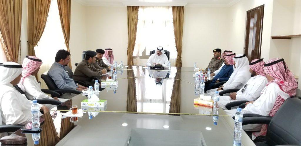 محافظ أملج يرأس إجتماع لجنة الدفاع المدني
