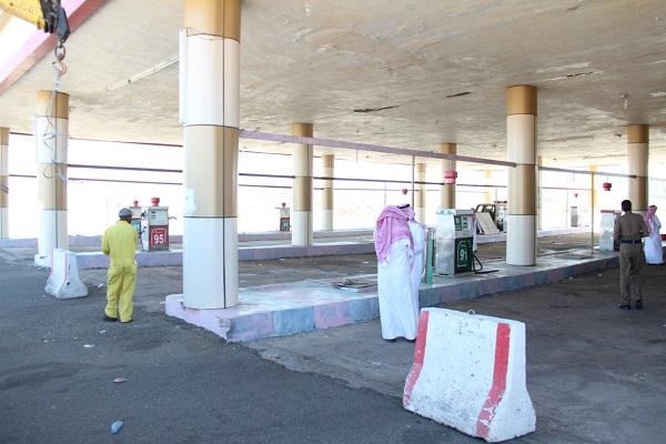 """إغلاق """"5"""" محطات وقود مخالفة والمرافق التجارية التابعة لها بطريق جنوب الطائف"""