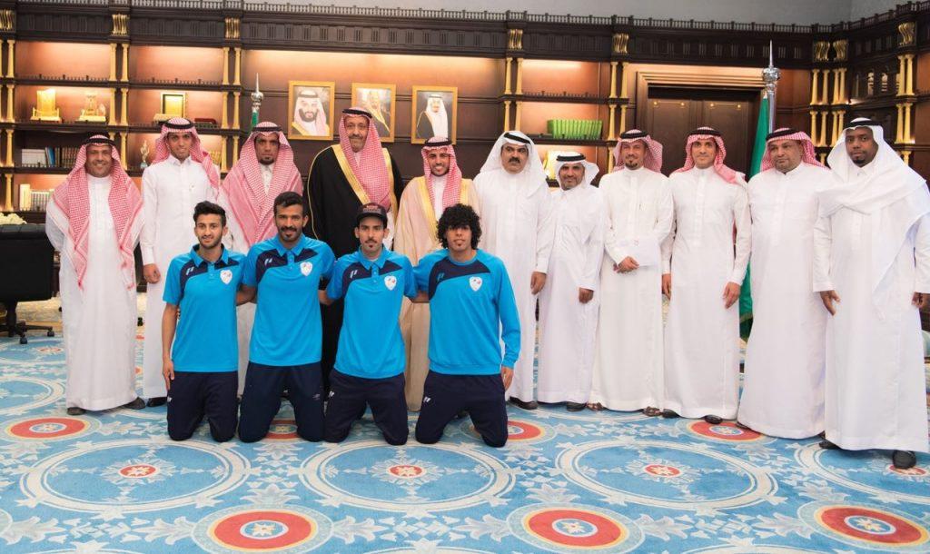 الأمير حسام بن سعود يستقبل إدارة ولاعبين العين