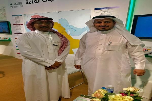 """""""آل عبيد"""" يزور جناح المكتبات العامة بمعرض الرياض الدولي للكتاب"""