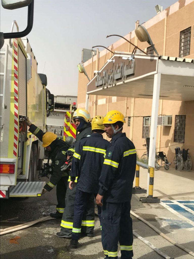 المدني يقيم فرضية حريق وهمي بمستشفى نفي العام