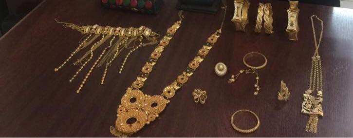 شرطة الرياض تُطيح بوافدين قاما بسرقة مصوغات ذهبية ومبالغ نقدية