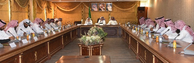 المجلس التعليمي بإدارة تعليم تبوك يعقد جلسته الثالثة