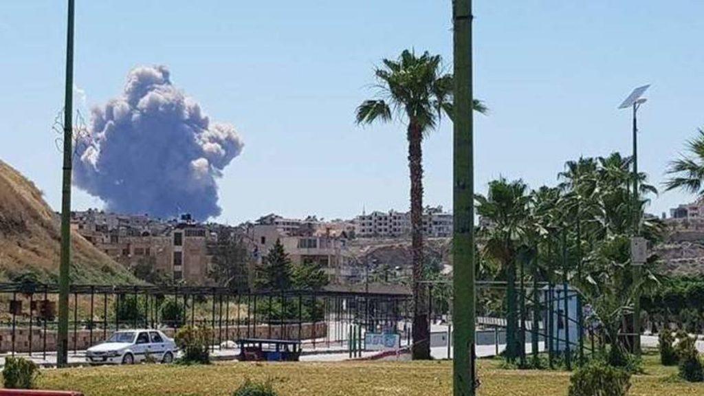سماع دوي انفجارات قرب مطار حماة