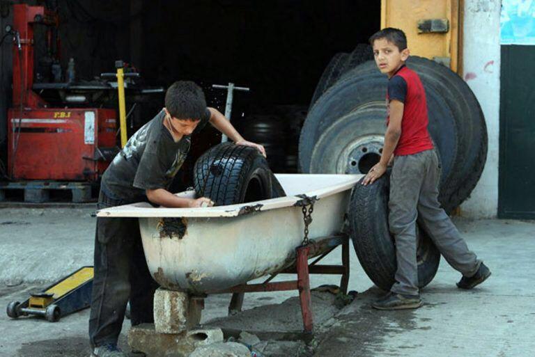 عمالة الأطفال السوريين في تركيا: معضلة انسانية