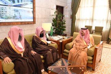 أمير الرياض يستقبل مدير فرع رئاسة هيئة الأمر بالمعروف والنهي عن المنكر بالمنطقة