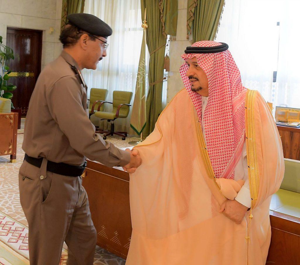 الأمير فيصل بن بندر يستقبل أعضاء اللجنة الأمنية بمنطقة الرياض