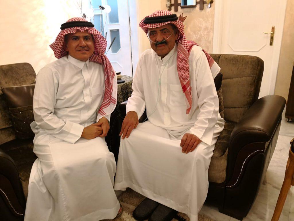 بالفيديو.. المذيع السعودي غالب كامل من الأردن يطمئن الشعب السعودي على وضعه الصحي