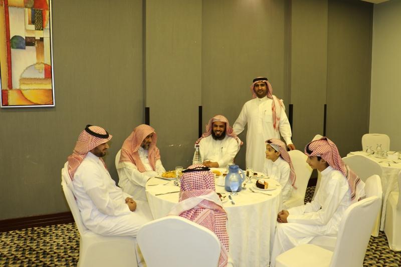 تعليم حائل يقيم مأدبة إفطار رمضاني لأبناء شهداء الواجب