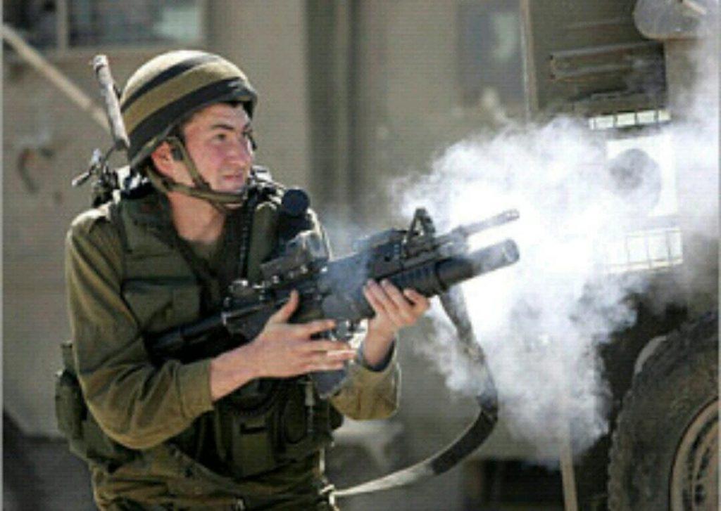الاحتلال الإسرائيلي يطلق النار على شابين فلسطينيين جنوب نابلس