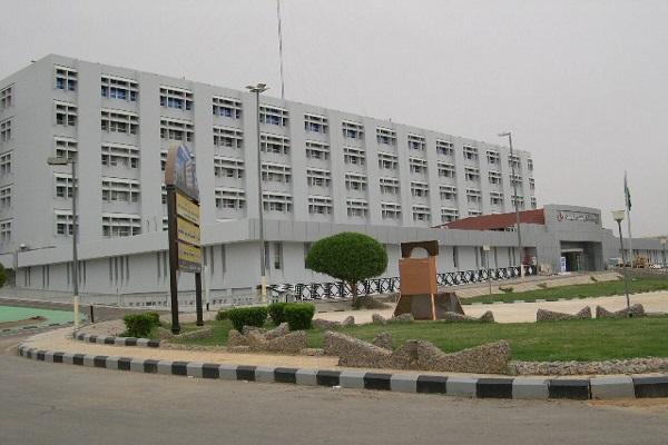 استمرار عمل بعض أقسام العيادات الخارجية بمستشفى الملك فهد العام بالمدينة في العيد