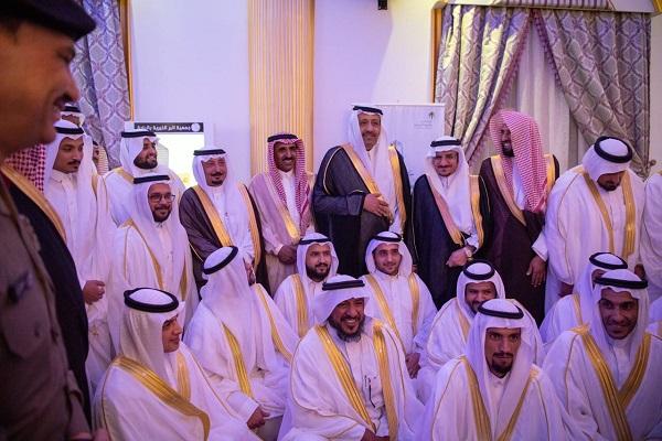 """سمو أمير الباحة يرعى حفل الزواج الجماعي لـ """"400"""" شاب وفتاة"""