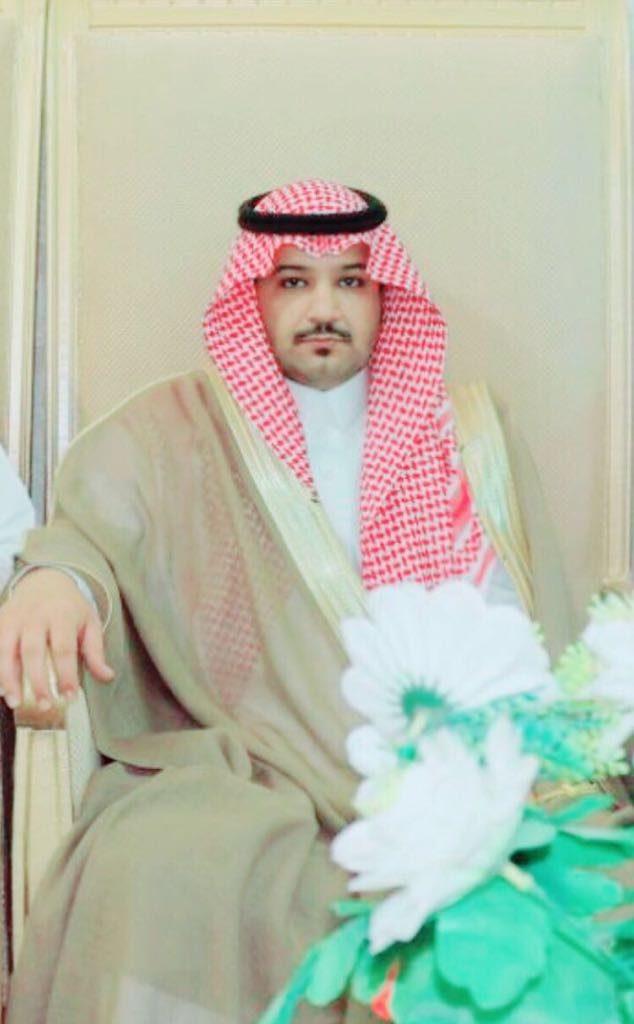 أحمد أبو ثنتين يرزق بمولود