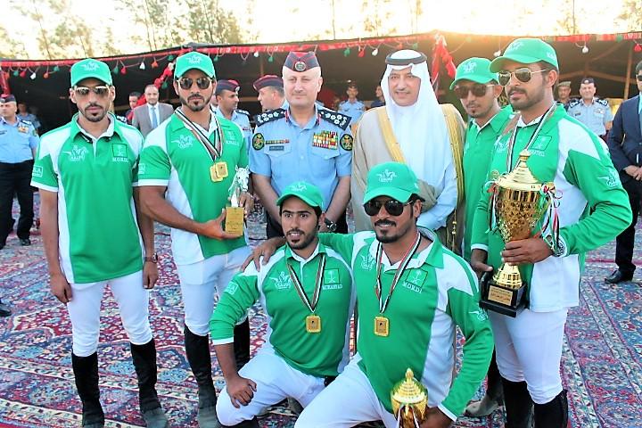 سفير خادم الحرمين الشريفين يتوج الفرسان الفائزين ببطولة ختامي المعسكر التدريبي لالتقاط الاوتاد في الأردن