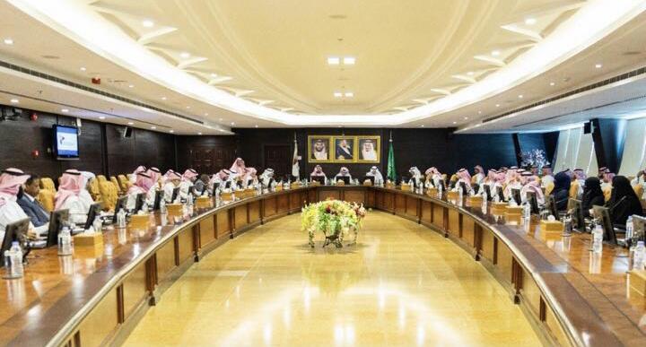 مجلس الغرف السعودي يوقف ويعلق مجلس الأعمال السعودي الكندي