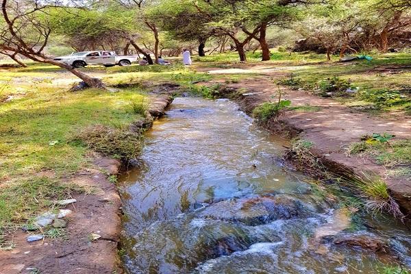 وادي ضرك بالمندق وجهة سياحية لعشاق الرحلات البرية