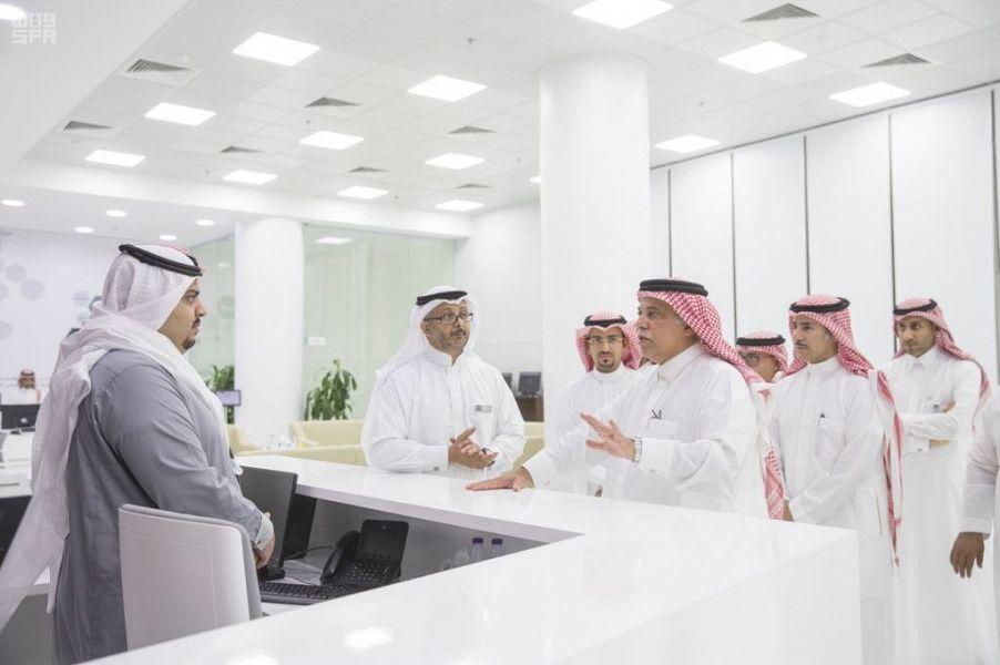 وزير التجارة والاستثمار يدشن مركز خدمة العملاء في جدة