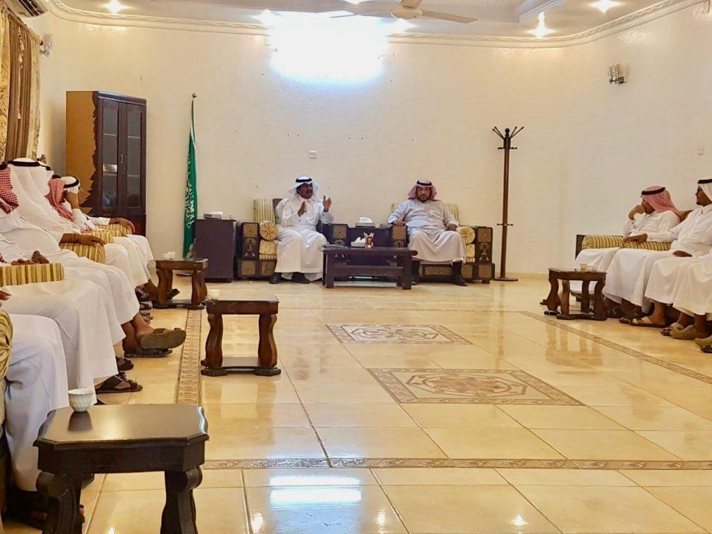 رئيس مركز الجعافرة يجتمع بالمشايخ لمناقشة كل مايخدم المواطنين ويحقق المصلحة العامة