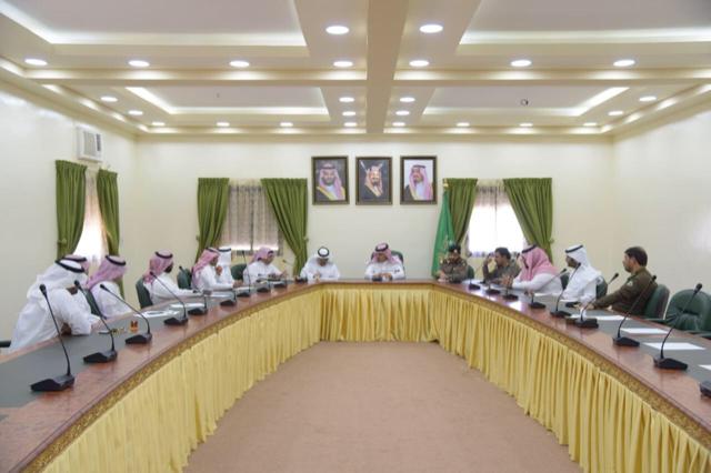 محافظة العقيق تناقش استعداداتها للاحتفال باليوم الوطني الـ 88