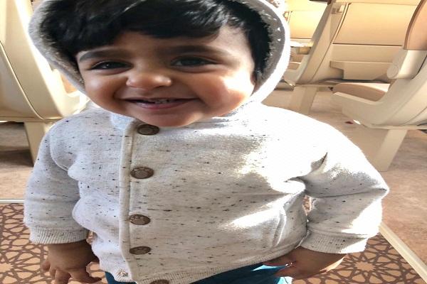 الطفل عبدالله أصغر مسافر على أول رحلة لقطار الحرمين
