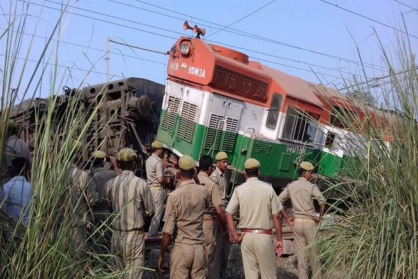 قتلى وجرحى في حادث خروج قطار عن قضبانه بالهند