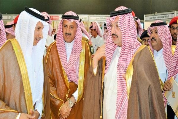 نائب عسير يزور جناح التدريب التقني بمركز الأمير سلطان الحضاري بخميس مشيط