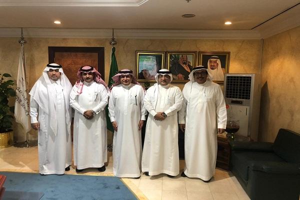 وزير الخدمة المدنية يستقبل رئيس الجمعية السعودية للإدارة الصحية
