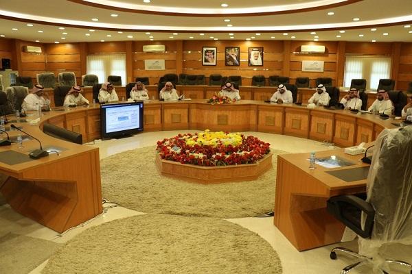 لجنة الاستثمار الأمثل للمباني المدرسية بتعليم حائل تعقد اجتماعها الأول