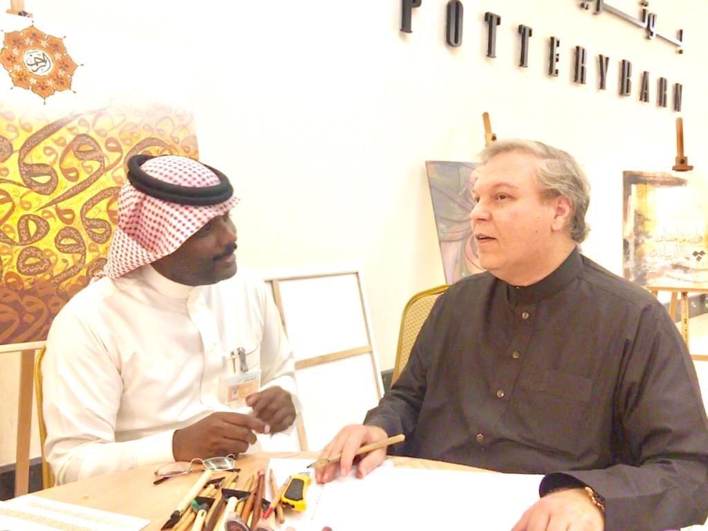 الخطاط سعود خان : تأثرت بكتابات محمد خان وأمنيتي أن أخط المصحف الشريف