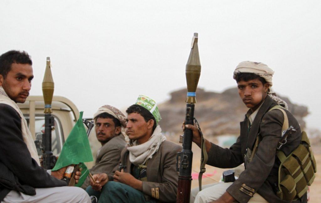 الميليشيات الحوثية تهدد بإغلاق مطار صنعاء والحكومة الشرعية تطالبهم بالانسحاب من الحديدة