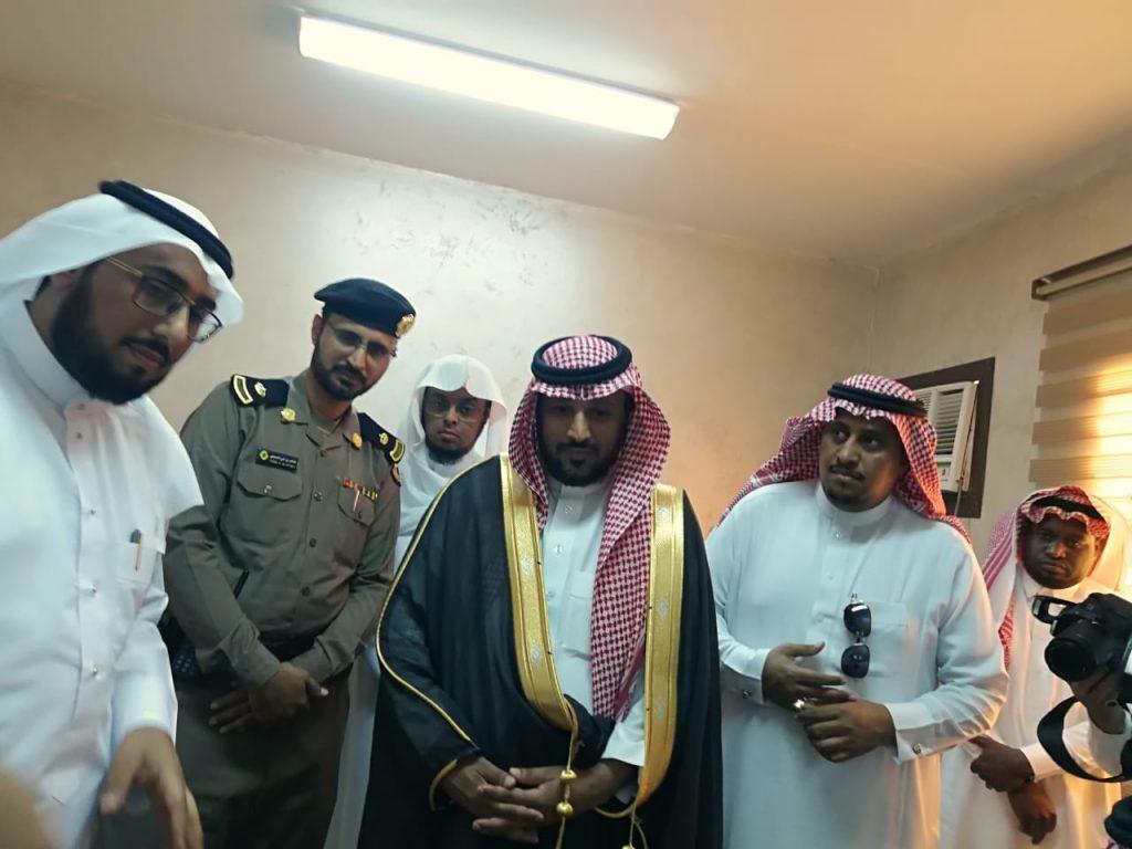 محافظ الحرث يزور إدارة المساجد ومركز الدعوة بالمحافظة