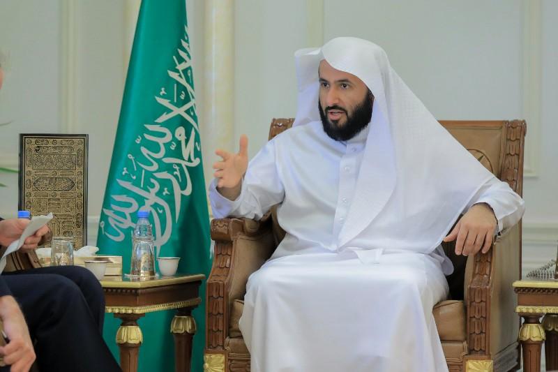 وزير العدل يوجه بالتوسع في خدمات كتابة العدل الثانية بشمال الرياض