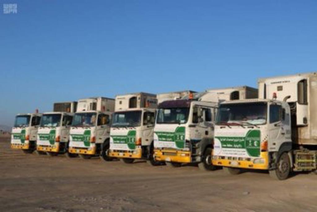 وصول 6 شاحنات إغاثية مقدمة من مركز الملك سلمان للإغاثة للنازحين من صعدة إلى مأرب