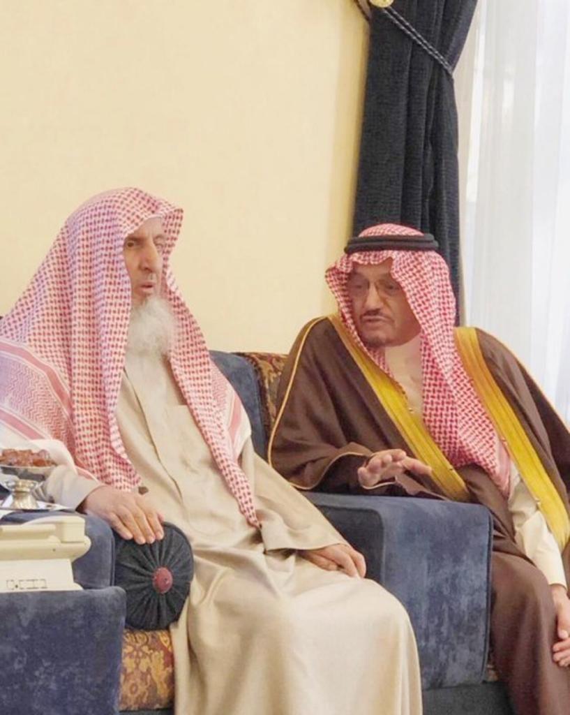 وزير التعليم يستعرض جهود الوزارة  في خدمة الطلاب خلال زيارته مفتي عام المملكة 