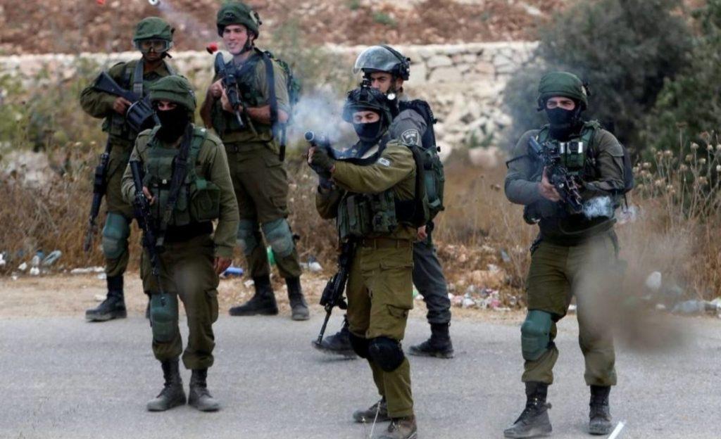 مقتل فلسطينيَّيْن وإصابة 10 آخرين برصاص جيش الاحتلال