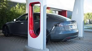 توقعات بإطلاق 5 محطات شحن للسيارات الكهربائية بالمملكة خلال 2019
