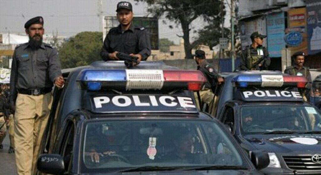 مصرع 4 من الشرطة الباكستانية في هجوم مسلح